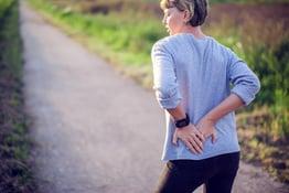 walking-hip-pain