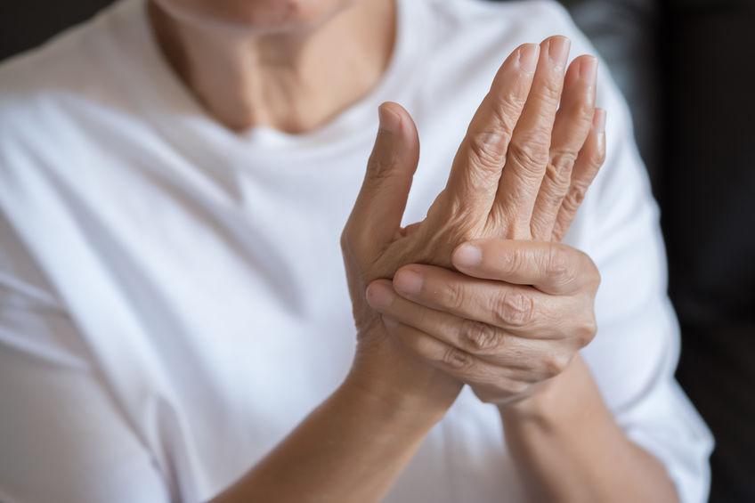 arthritis-pain-hands